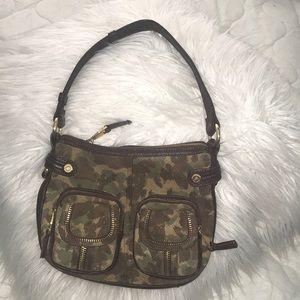 B Makowsky cameo leather purse